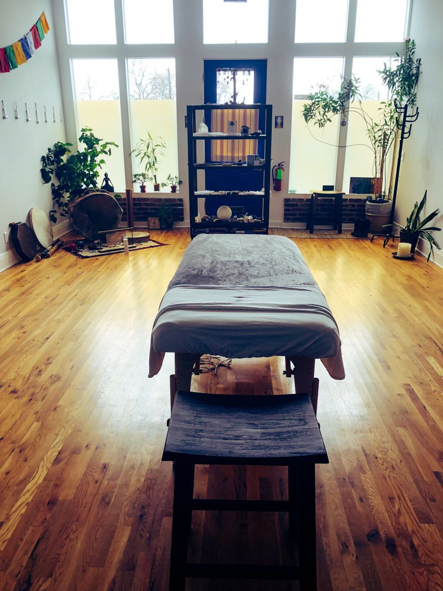 Green Light Reiki Healing and Chakra Balancing